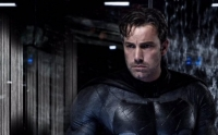 Ben Affleck surpreende os fãs com o Batmobile